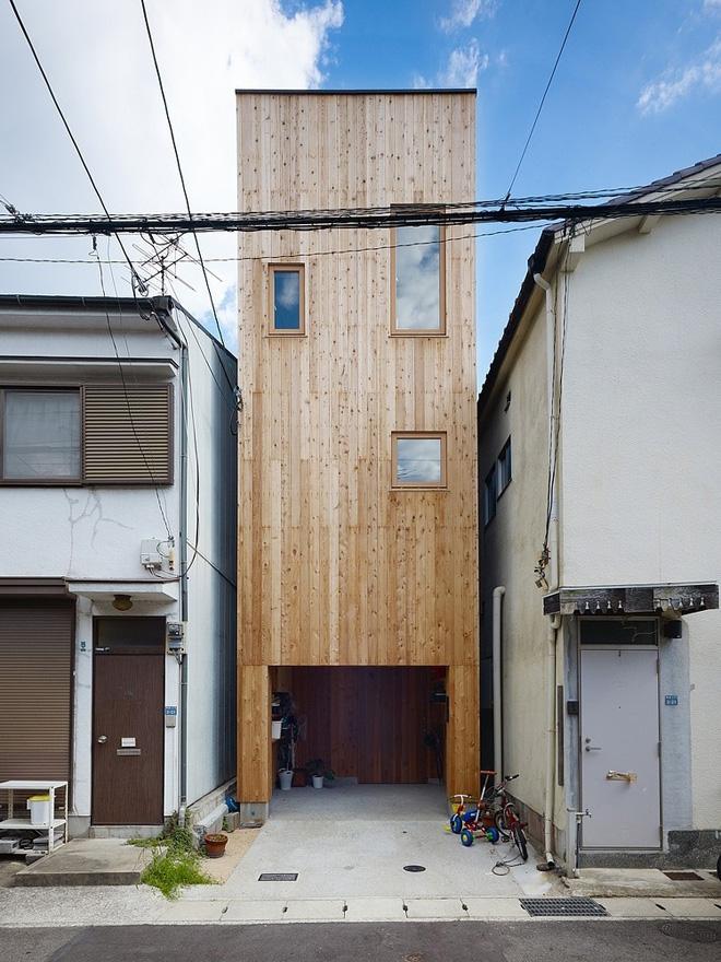 schmales haus in nada japan. Black Bedroom Furniture Sets. Home Design Ideas